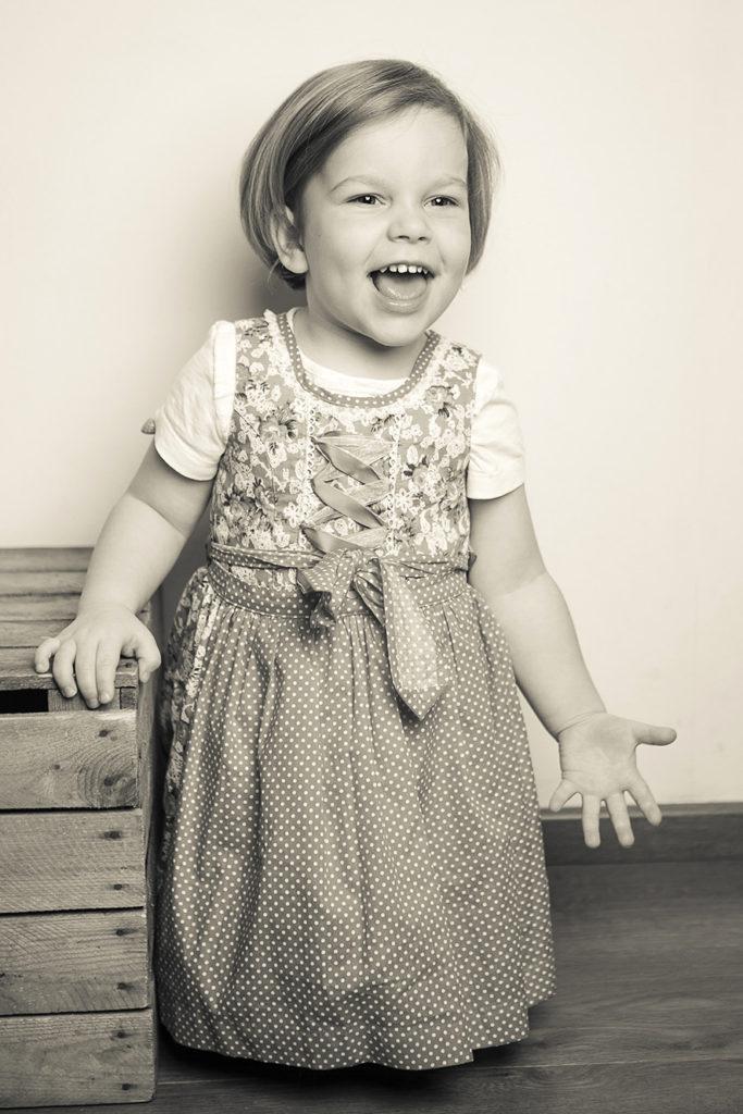 Foto Sens, Portrait, Fotostudio, Bewerbungsfoto, Fotograf Wanzleben, Foto, Fotoatelier, Fotobox, Baby shooting,